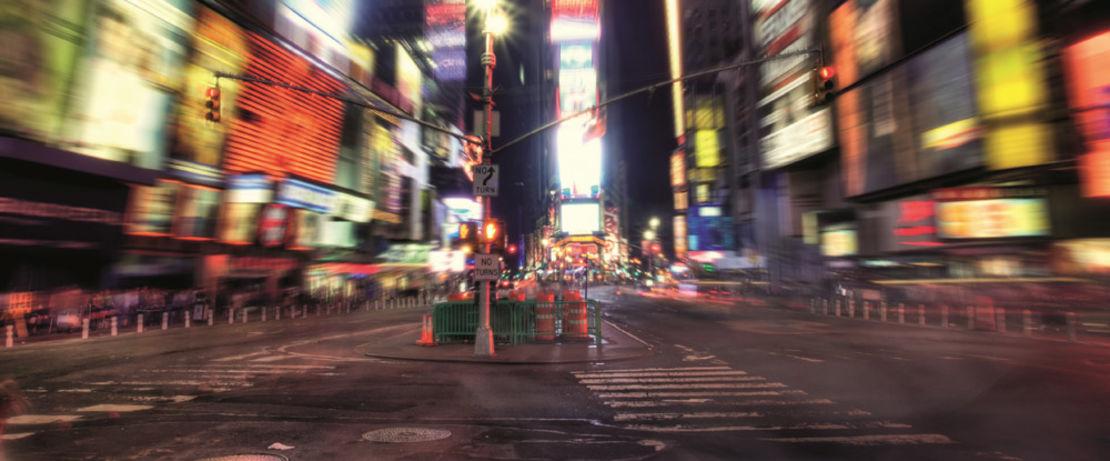 Der Times Square in New York ist mit seinen farbigen Werbetafeln ein Touristenmagnet. Die Bürgersteige der stark frequentierten Fußgängerzone sind mit dem frostbeständigen Protectosil® BHN PLUS imprägniert worden, sodass Wasser, Öl, wasserlösliche Schadstoffe und Graffiti abgewehrt werden.