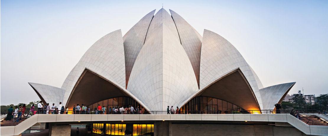 Der in Form einer Lotusblume erbaute Bahai-Tempel in Neu-Delhi zieht jährlich ca. 3 Millionen Besucher an. Protectosil® weist Wasser und Schmutz von den 27 marmornen Lotusblättern des berühmten Gebäudes ab.