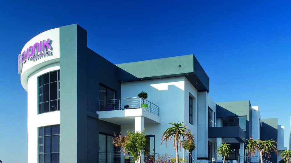 Evonik's Büro- und Laborgebäude in Johannesburg, Südafrika, ist mit Protectosil® SC 30 behandelt, das nicht nur gegen Schmutz und Staub wirkt. Die Oberfläche lässt sich außerdem leicht reinigen.