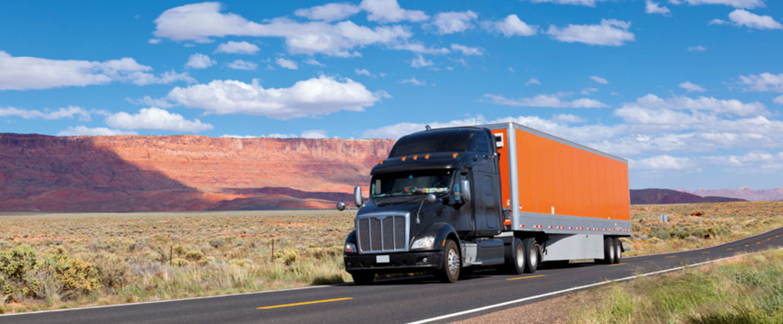 The U.S. state of Utah covers an area of 219,887 square kilometers. Years of road salt, water, and subsequent freeze-thaw cycles had caused significant damage to major portions of the highways in the form of potholes, surface chipping and scaling. After treatment of the almost VOC-free Protectosil® AQUA-TRETE® 40, roads were reopened within 24 hours.