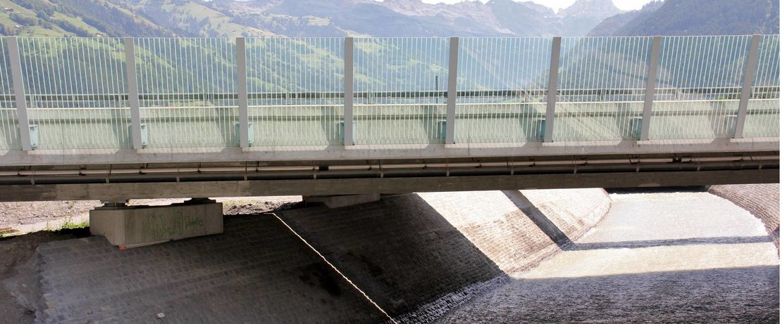 The bridge in the Swiss town of Attinghausen, spanning the Reuss, is Switzerlands fourthlargest river with a length of 159 kilometers. Protectosil® BHN protects the bridge permanently against harmful environmental and weather influences.