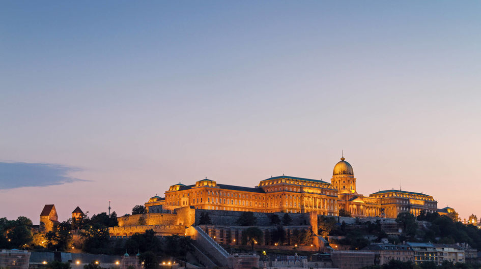 Protectosil® protects the impressive Budapest Castle in Hungary not only from the outside. The walls of the interior are coated with Protectosil® SC CONCENTRATE, thus reducing cleaning costs significantly.