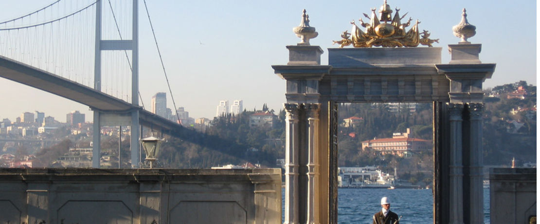The white marble Beylerbeyi Palace in Istanbul was built between 1861 and 1865 and served as a summer residence and a place to entertain visiting heads of state. The marble pillars of the palace gate had been deteriorating for some time. The historic site underwent rejuvenation treatment with Protectosil® SC 60 to form uniquely beautiful scenery with the many blossoming magnolia trees in the palace garden for many years to come.