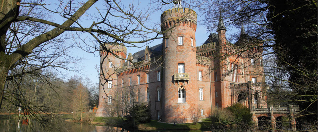 Built originally in medieval times and repeatedly rebuild, the Moyland Castle in North-Rhine Westphalia, Germany, has to combat against the ravages of time like most of buildings and monuments. The tower walls of the impressive brick building and the world's largest collection of   Joseph Beuys' works in the castle museum are now reliably protected against moisture, thanks to Protectosil® BSM 400.