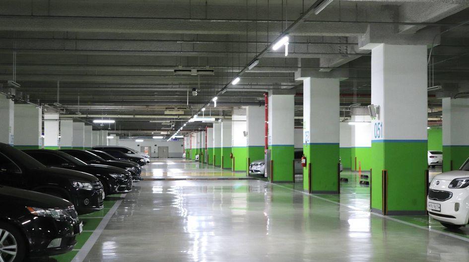 Protectosil® AQUA-TRETE® 40 is especially suitable for parking and bridge decks.