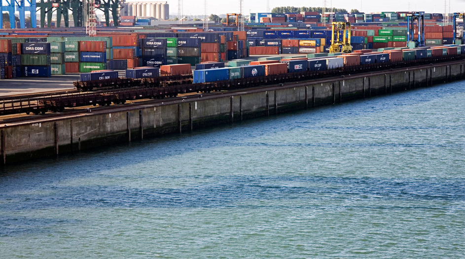 The Container Terminal Zeebrugge is located directly at the open sea in Belgium. The port is one of the most modern in Europe. The quay wall of the container terminal, continuously exposed to the salt water, is protected with Protectosil® BHN, increasing its expected lifetime significantly.