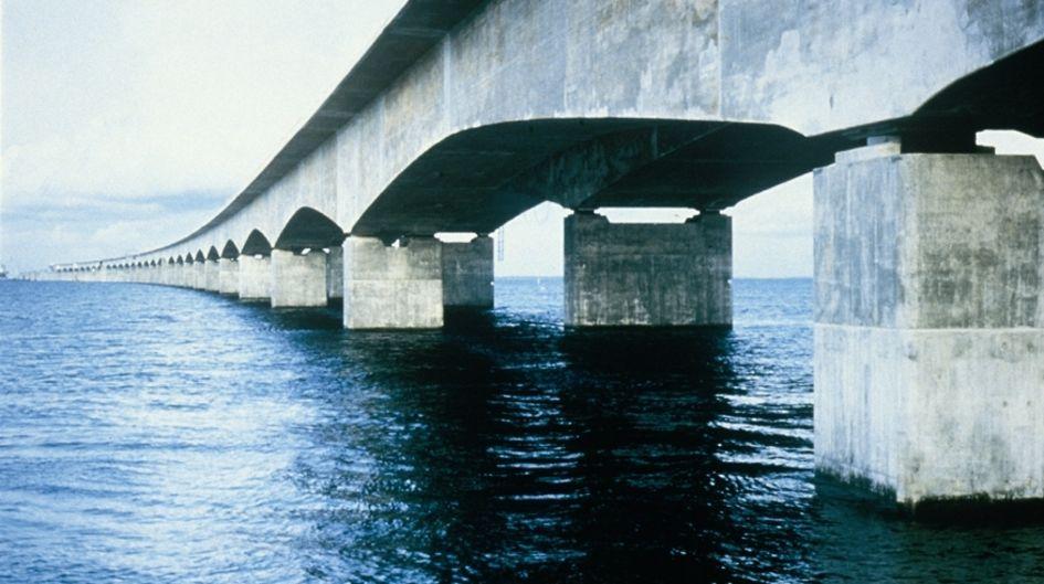丹麦的 Storebaelt 桥受 Protectosil® BHN保护.