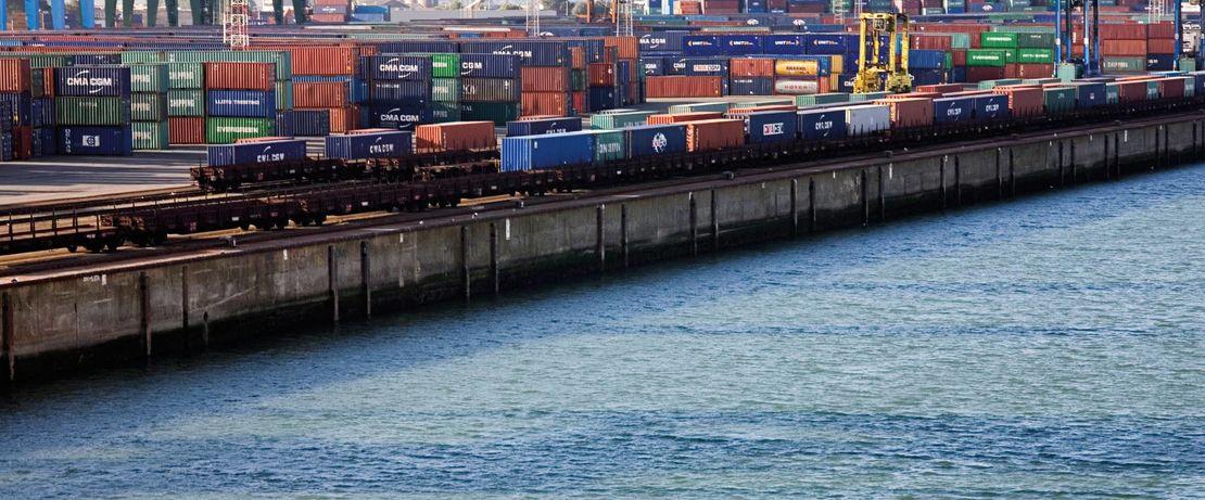 比利时的泽布鲁日集装箱码头是欧洲最重要的现代贸易中心和转运中心之一。 Protectosil®BHN可持续保护港口码头的设施免受潮汐影响,并使其使用寿命延长至百年有余。