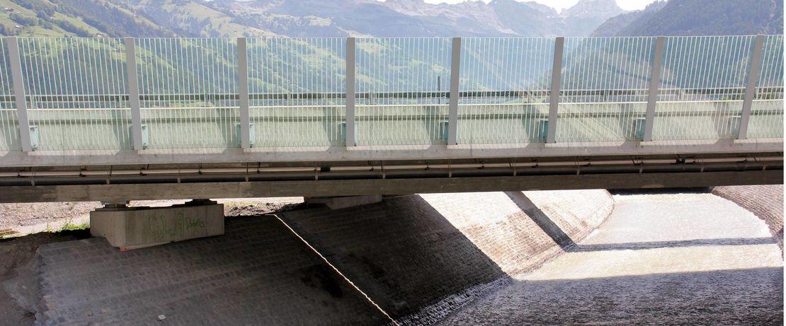 瑞士小镇阿廷豪森的大桥横跨瑞士的第四大河罗伊斯河,整体长度达159公里。 Protectosil®BHN可长期保护桥梁免受有害的环境和天气因素的影响。